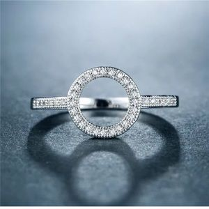 Jewelry - Sterling Silver 925 Open Round White Sapphire Ring
